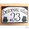 Kézi festésű  dúsabb levendulás házszámtábla, ívelt utcanévvel 25*40 cm-es