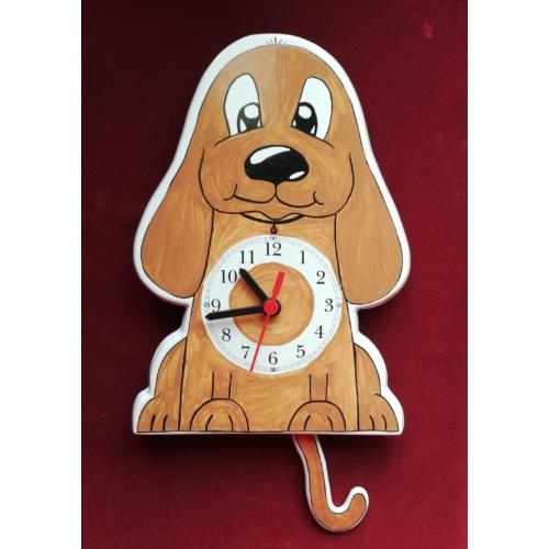 Kutya ingás óra világosbarna
