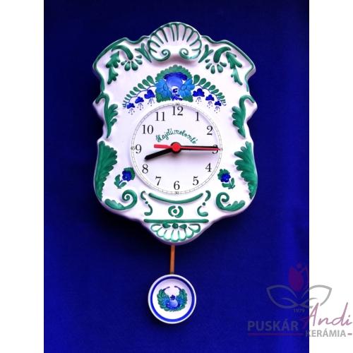 Domború felületű, szépen díszített ingás fali óra