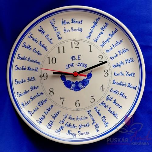 Fali tányér óra /Ø32 cm/  iskolai ballagásra, osztálynévsorral /31 névvel/