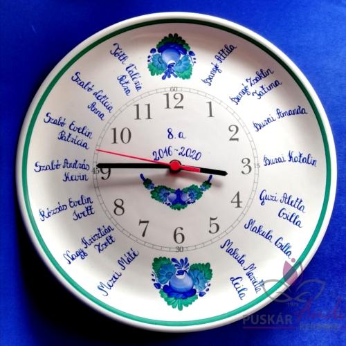 Fali tányér óra /Ø32 cm/  iskolai ballagásra, osztálynévsorral /14 névvel/