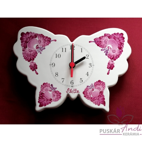 Pillangó alakú fali óra egy fiatal leány születésnapjára